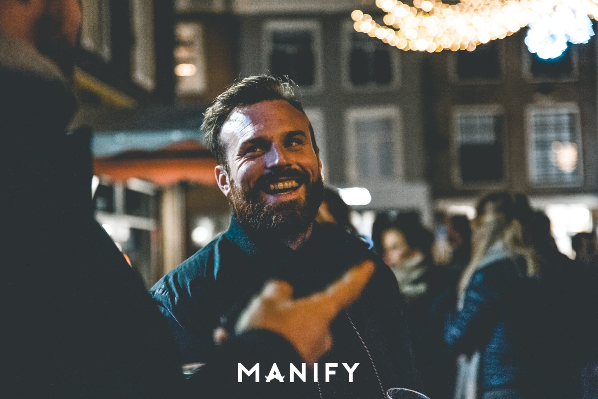 Manify_Out_of_office-E10_WM-26-manify