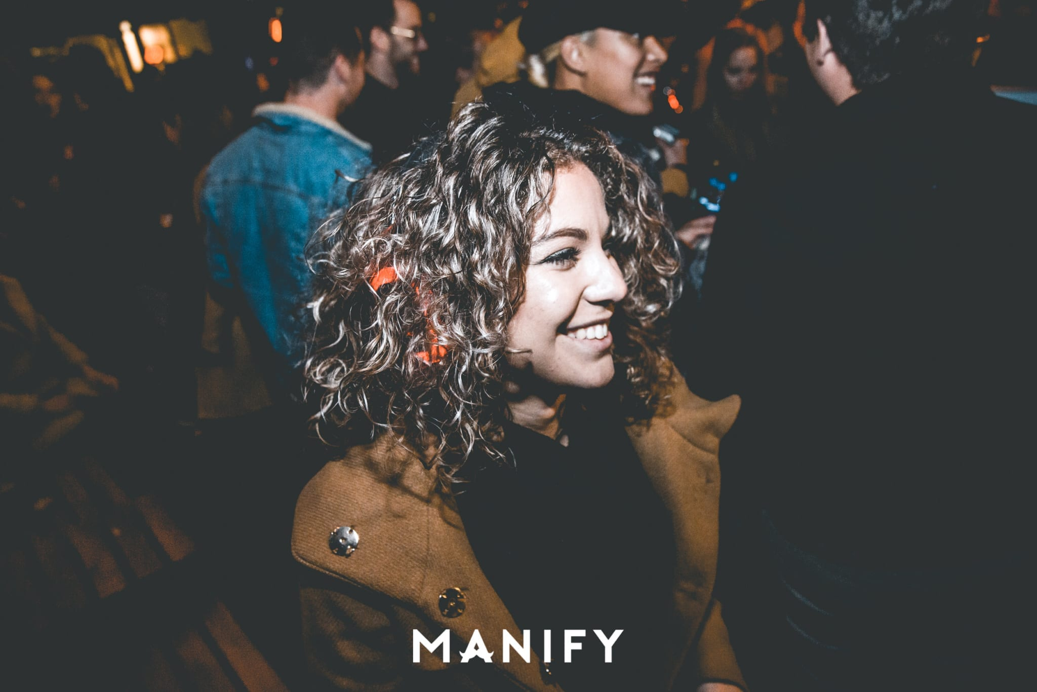 Manify_Out_of_office-E10_WM-91-manify