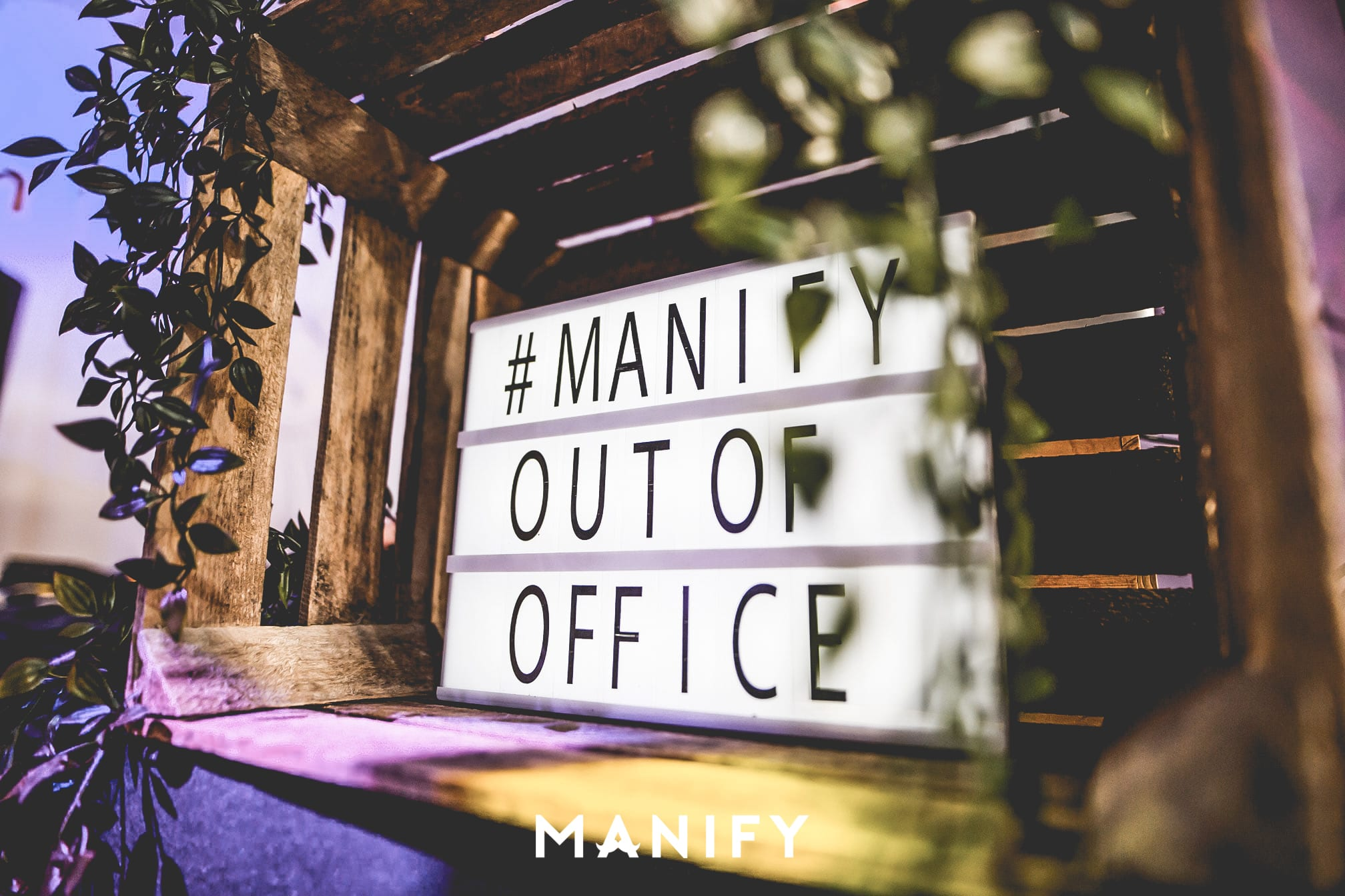 Manify_Out_of_office_EHV-WM-38-manify