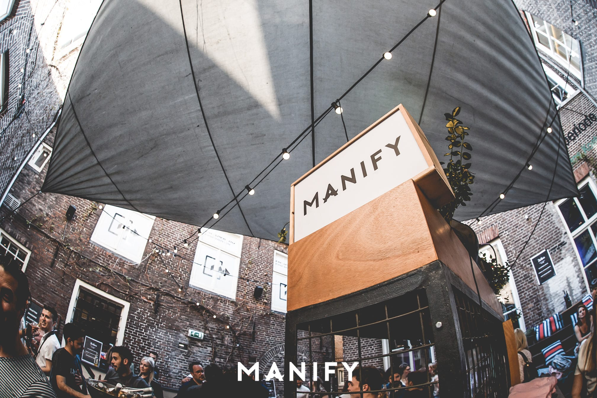 Manify_Out_of_office_EHV-WM-62-manify