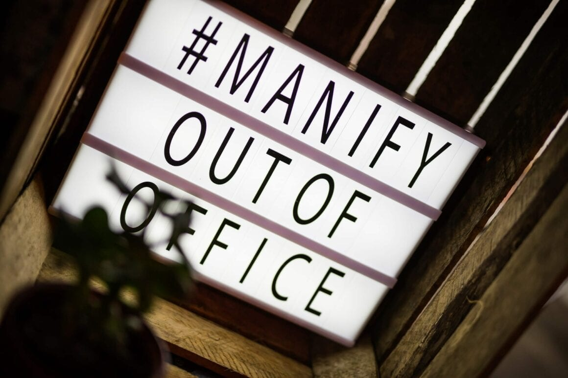 manify-out-of-office-e6_nw-68-manify-1160×773